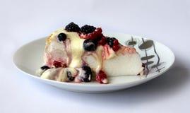 Torta di Pavlova Fotografie Stock