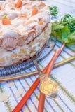 Torta di rabarbaro con meringa e le mandorle Immagini Stock Libere da Diritti