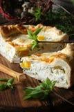 Torta di Torta Pasqualina dell'italiano con spinaci, uova Immagine Stock