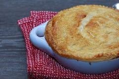 Torta di vaso del bacon e del pollo con formaggio Fotografia Stock Libera da Diritti