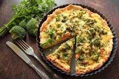 Torta di verdure con i broccoli Fotografie Stock Libere da Diritti