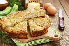 Torta do abobrinha com queijo e ervas foto de stock royalty free