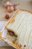 Torta do pastor em uma tabela Imagens de Stock