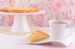 Torta dulce escocesa con té Fotos de archivo