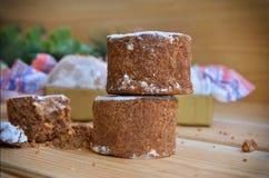 Torta dulce española en el fondo de madera Imagen de archivo libre de regalías
