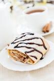 Torta e chá de maçã caseiro Fotografia de Stock