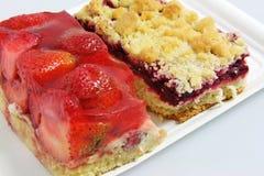 Torta e Cherry Pie da morango Foto de Stock