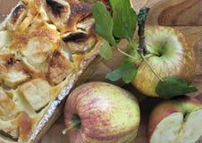 Torta e fruto de Applie Imagens de Stock