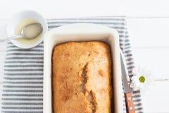 Torta esmaltada sabrosa del limón Imagen de archivo libre de regalías