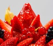 Torta fresca delle fragole di American National Standard dei lamponi Immagini Stock Libere da Diritti