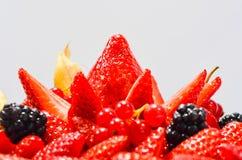 Torta fresca delle fragole di American National Standard dei lamponi Immagine Stock