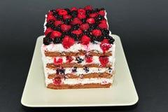 Torta fresca hecha en casa de las bayas Foto de archivo