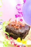 Torta, globos, cintas Imagenes de archivo
