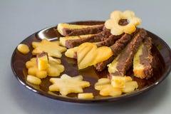 Torta húmeda con la naranja y el chocolate Foto de archivo libre de regalías