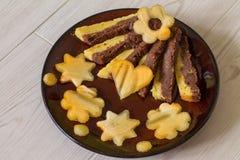 Torta húmeda con la naranja y el chocolate Fotografía de archivo libre de regalías