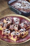 Torta hecha en casa de la cereza Fotografía de archivo libre de regalías