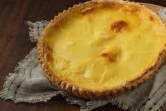 Torta hecha en casa simple con el queso cremoso foto de archivo libre de regalías