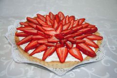 Torta hecha a mano de la fresa Imagenes de archivo