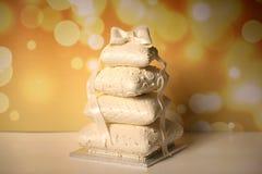 Torta nunziale bianca Fotografie Stock