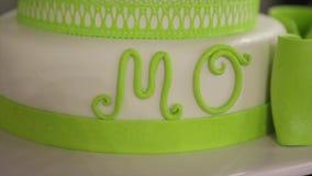 Torta nunziale verde con il ` di Mo del ` di parola stock footage