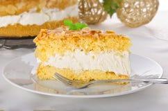 Torta plana con una almendra y un azúcar Imagen de archivo