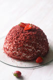 Torta roja de la bóveda del terciopelo Imagenes de archivo