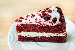 Torta roja del terciopelo Foto de archivo libre de regalías