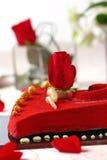 Torta rossa del biglietto di S. Valentino Immagine Stock