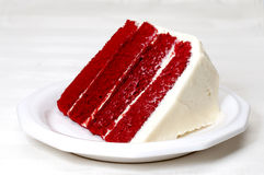 Torta rossa del velluto Fotografie Stock