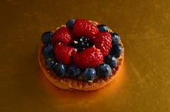 Torta rossa fresca della frutta fotografia stock libera da diritti