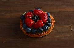 Torta rossa fresca della frutta immagini stock libere da diritti