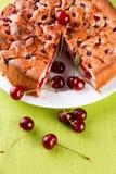 Torta sabrosa de la cereza Fotos de archivo libres de regalías