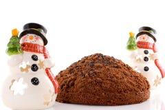 Torta su priorità bassa bianca con 2 snowmans Fotografie Stock Libere da Diritti