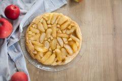 Torta tradicional do outono - tatin francês do tarte foto de stock