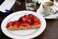 Torta y café de la fresa Foto de archivo libre de regalías