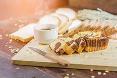 Torta y café de la mantequilla Fotos de archivo