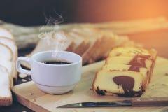 Torta y café de la mantequilla Fotos de archivo libres de regalías