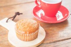 Torta y café express de la taza del plátano Foto de archivo libre de regalías