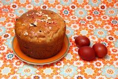 Torta y huevos de Pascua Foto de archivo
