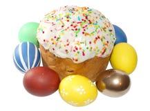 Torta y huevos (imagen de Pascua con la trayectoria de recortes) imagenes de archivo