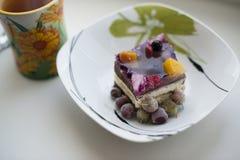 Torta y té de la fruta Imágenes de archivo libres de regalías