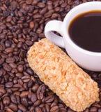 Torta y taza de café Imagenes de archivo