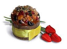 Torta y tulipanes de Pascua Fotografía de archivo