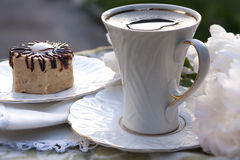 Torta y una taza de café Imagen de archivo