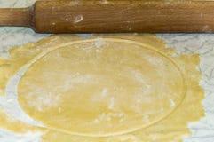 Tortas de la pasta de hojaldre para la torta fotografía de archivo libre de regalías