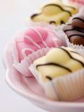 Tortas de la suposición de la pasta de azúcar Fotos de archivo libres de regalías