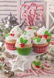 Tortas de la taza de la Navidad Imágenes de archivo libres de regalías