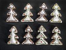 Tortas del pan de jengibre del árbol de navidad Fotos de archivo