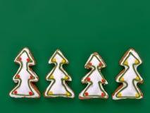Tortas del pan de jengibre del árbol de navidad Imagen de archivo