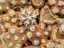 Tortas del pan de jengibre de Navidad Fotos de archivo libres de regalías